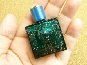 昔、ひょう柄の財布持ってたわ~と懐かしくなったヴェルサーチの香水サンプル。クオリティがハンパなく高いお試し品になっていました。