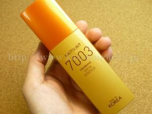 今回のカオツボ化粧品は、7003の純金入りの美容液。ってシリーズで紹介できそうなぐらい頻繁に入っているカオツボのスキンケア。今月のは金箔だし許す。