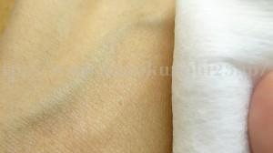 アールエフ28クリアドロップ化粧水をで手の甲をふき取ってみました。なんなら顔よりもいっぱい美容液を試したことがある気がする私の左手の甲。今回も刺激なしです。