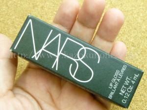 プラナスボックス8月分に入っていたNARS(ナーズ) リップグロス N1671 4mLを写真付きで口コミ報告します。