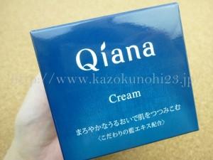 プラナスボックス11月分に入っていたサンスターの販売するQiana(キアナ)クリーム。化粧水で整えた後に使うタイプのハーフゲルタイプみたいです。