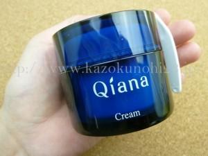サンスターの販売するキアナスキンケアのクリームが入っていたプラナスボックス11月分。使用感を紹介していきます。