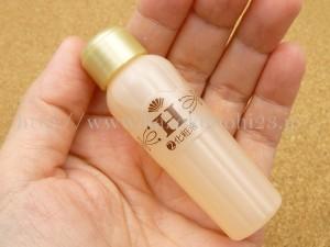 山田養蜂場 ハニーラボスキンケア トライアルセットに入っていたハニーラボ化粧液。モイスチャーネットでうるおいを逃がさないように守るハニーラボ化粧液の肌なじみを写真付きで口コミ報告していきます。