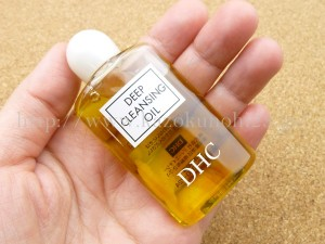 DHC薬用ディープクレンジングオイルのメイク落としを使った感想や洗いあがりなどを写真付きで口コミ報告中。