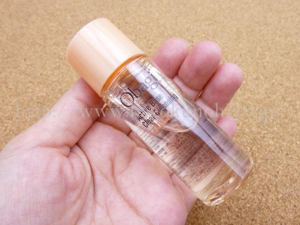 オバジアクティブベースクリアクレンジングactive base clear cleansingは無色透明なクレンジング。リキッドのようなオイルのような感じです。
