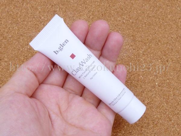 ビーグレン クレイ洗顔料は、泡立たないタイプの洗顔料です。