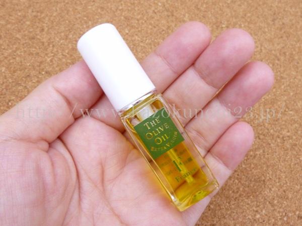 小豆島オリーブオイルの肌なじみについて写真つきで報告します。