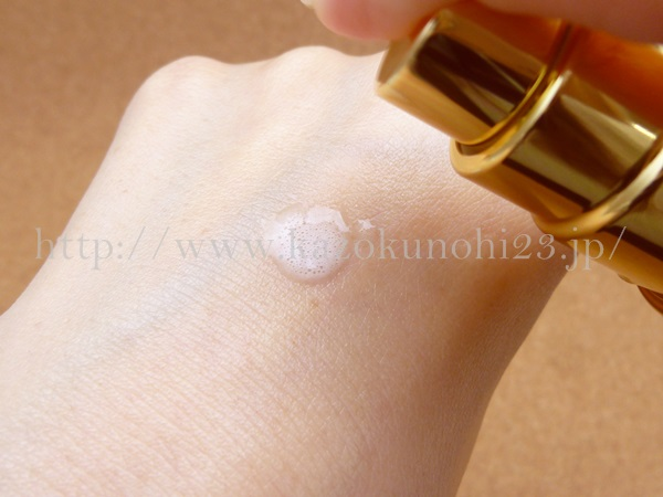 君島十和子基礎化粧品トライアルセットのブライトニングミスト状化粧水 30mLの肌なじみを写真付きで口コミ報告中。