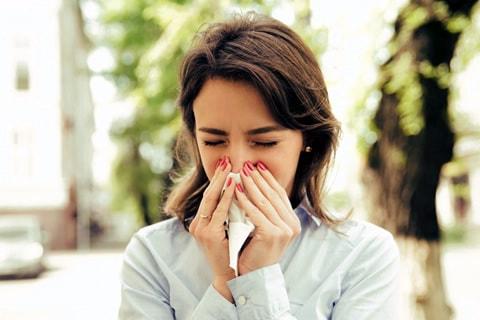 女性医師が花粉症によるメイク崩れ&花粉症対策メイク術について徹底解説!