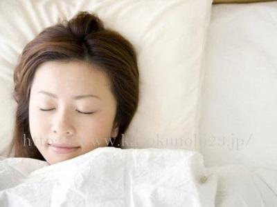質の良い睡眠は、大人ニキビの改善に◎な生活週間です。