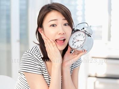 大人ニキビを防ぐためには何時間以上の睡眠をとれば大丈夫なのか。