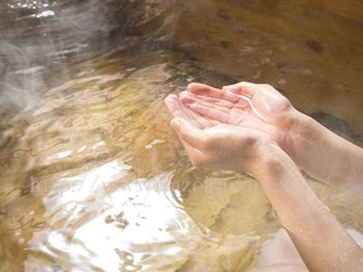 乾燥肌クレンジングするときに大事なのは、熱いお湯を使わないなどの肌にダメージを与えないように気をつけることです。