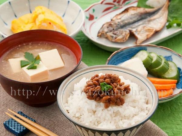 栄養バランスの良い食事は、肌のターンオーバーにも良い影響を及ぼすことがわかっています。