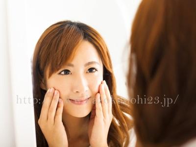 しつこい大人ニキビを改善するには乾燥肌への対処が大切となってきます。