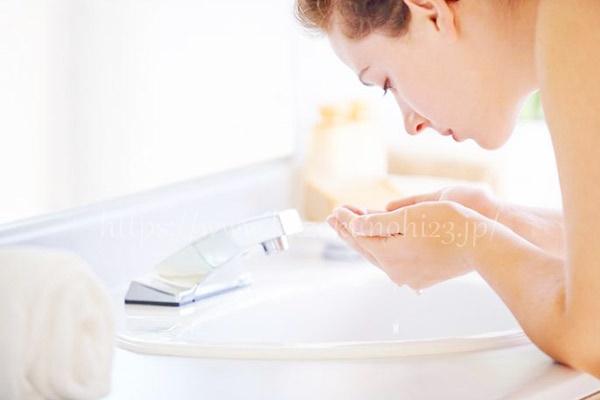 クレンジングや洗顔料も低刺激なものを選ぶ