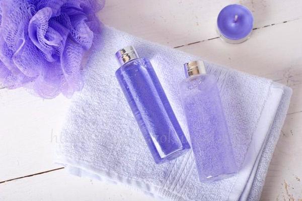 低刺激な化粧水でたっぷり水分補給を