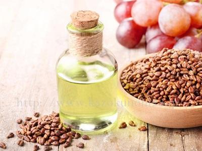 美容オイルくすみの原因としてあげられる酸化しやすいオイル、中でも酸化しやすいオイルはグレープシードオイルです。