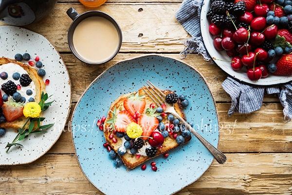 栄養バランスの整った食事で内側から肌をサポート