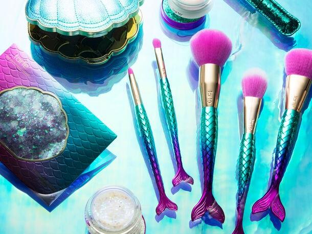 tarte mermaid brush setは可愛い。